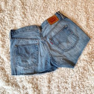 Levi's | Cut off denim shorts